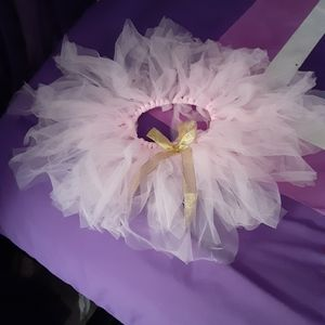 Infant tulle skirt with gold bow